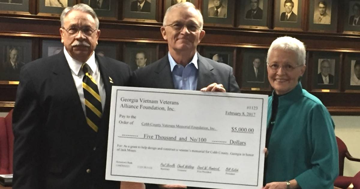 GVVA Donates to Cobb Veterans Memorial Foundation